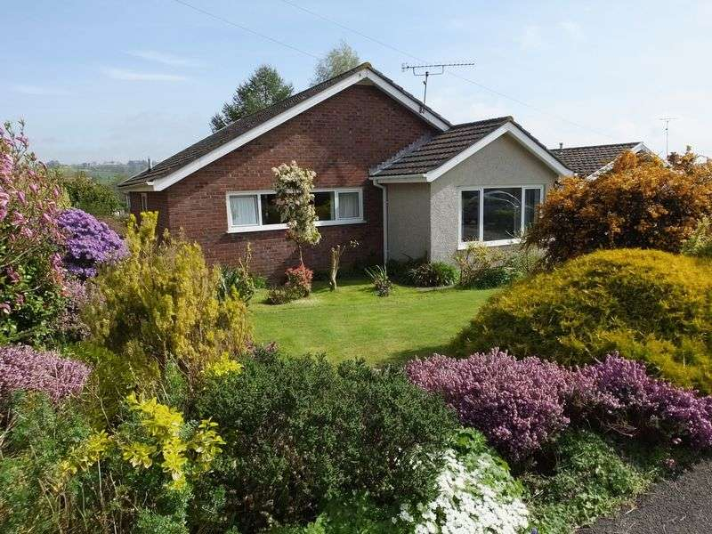 3 Bedrooms Detached Bungalow for sale in St Helens Crescent, Abergavenny