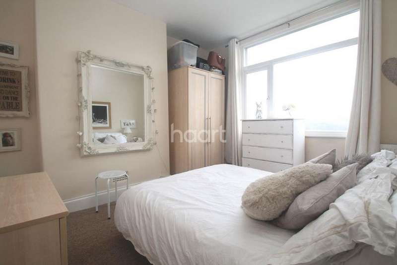 2 Bedrooms Flat for sale in Ladysmith Road, Lipson Road
