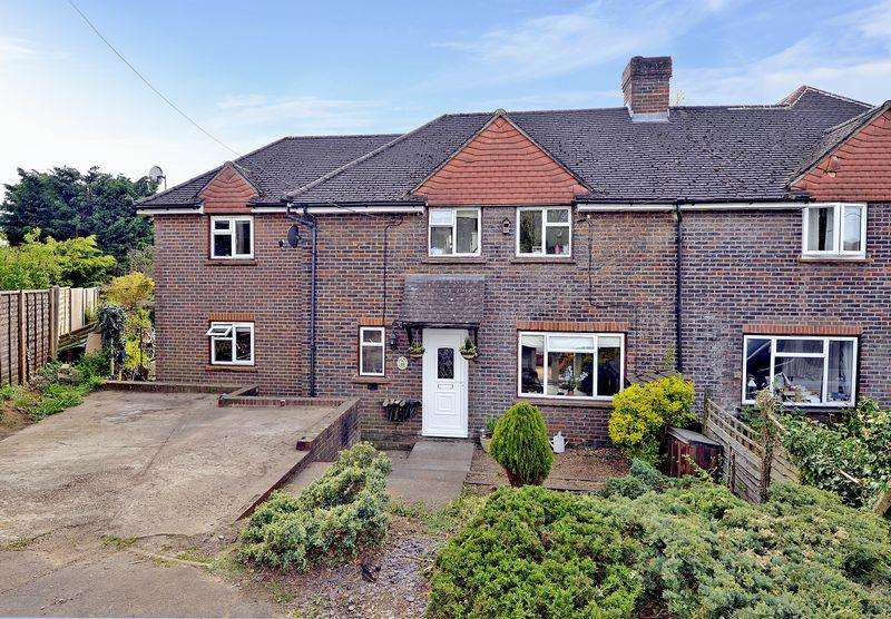4 Bedrooms Semi Detached House for sale in Elstead