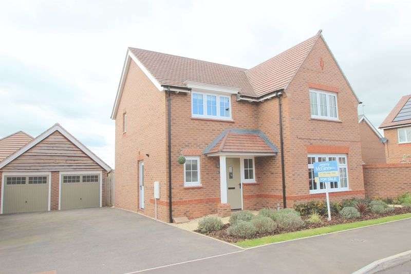 4 Bedrooms Detached House for sale in Fisher Road, Alcester, B49 6FF