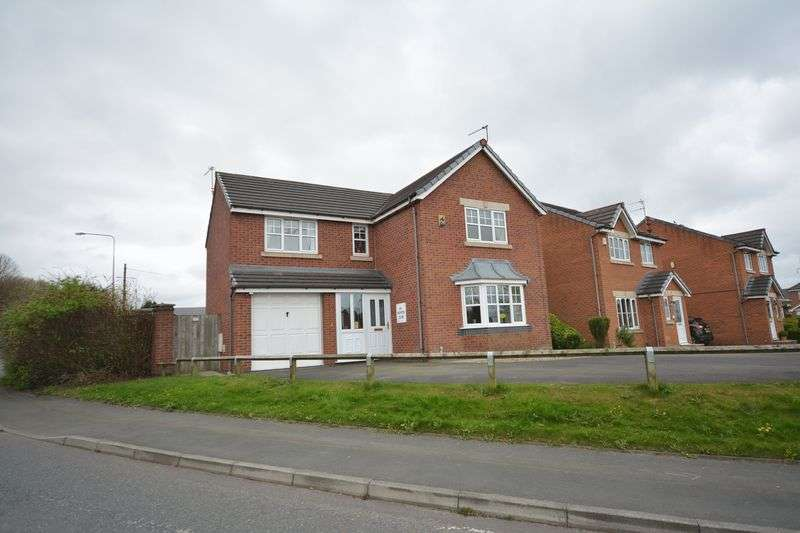 4 Bedrooms Detached House for sale in Paynter Close, Clayton-le-Moors
