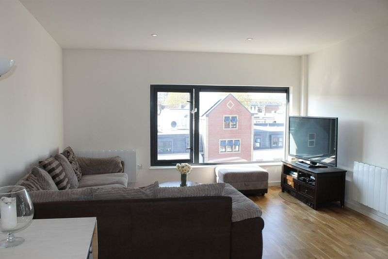 2 Bedrooms Flat for sale in West Street, BS3