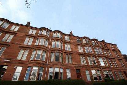 2 Bedrooms Flat for sale in Tassie Street, Glasgow, Lanarkshire