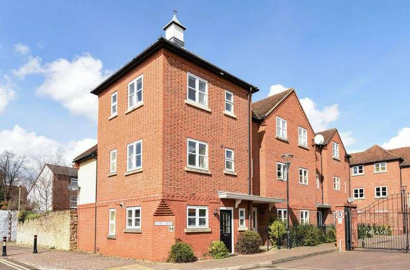 3 Bedrooms House for sale in Neave Mews, Abingdon
