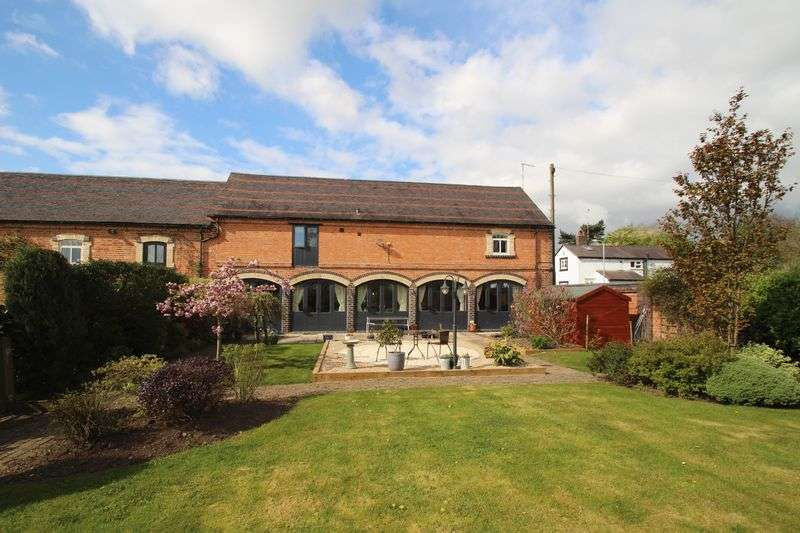 4 Bedrooms Semi Detached House for sale in A spacious property in Stretton under Fosse