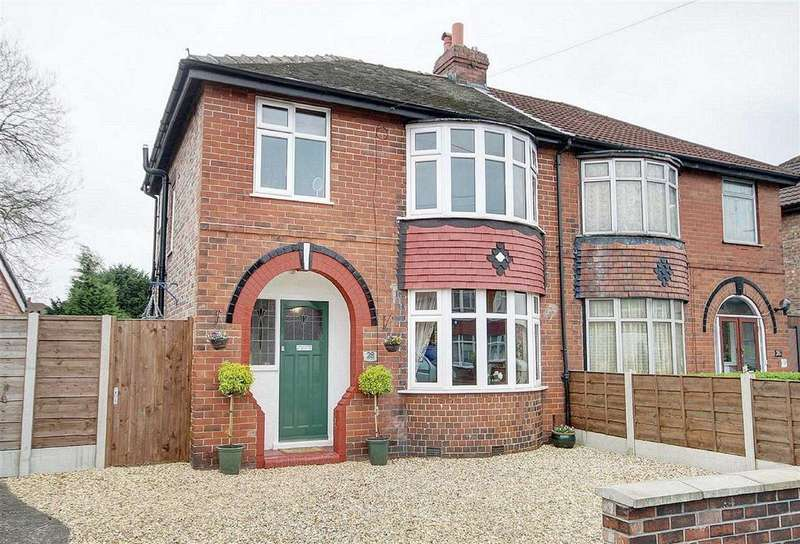 3 Bedrooms Semi Detached House for sale in Leicester Avenue, Timperley, Cheshire