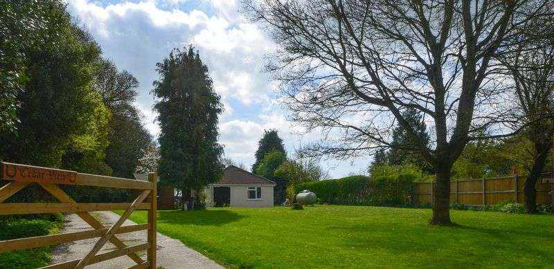 2 Bedrooms Detached Bungalow for sale in Wheatsheaf Lane, Martin