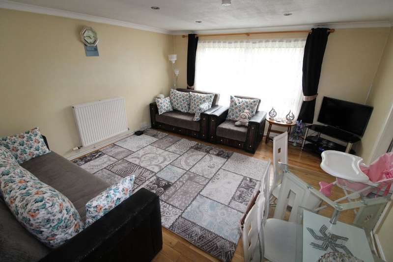 2 Bedrooms Flat for sale in Lansdowne Road, Tottenham, London, UK, N17 0NA