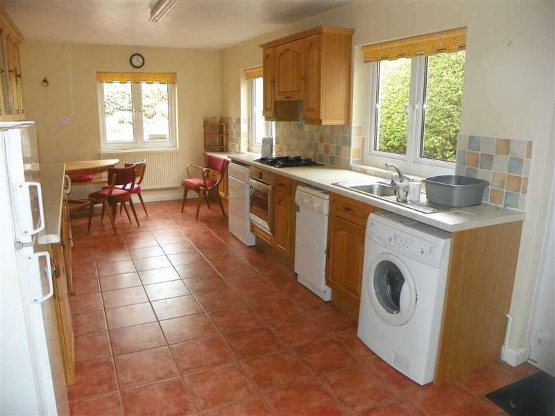 3 Bedrooms End Of Terrace House for sale in Harcourt Terrace, Pembroke