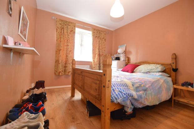 1 Bedroom Flat for sale in Cooks Road, London, SE17