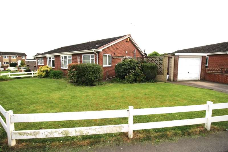 2 Bedrooms Semi Detached Bungalow for sale in Coniston Way, Goole, DN14