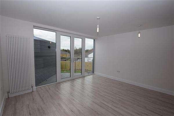 1 Bedroom Apartment Flat for sale in Leavesden Lodge, Leavesden Road, Watford