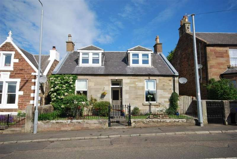 4 Bedrooms Detached Bungalow for sale in 5 Barns Terrace, Maybole, KA19 7EP