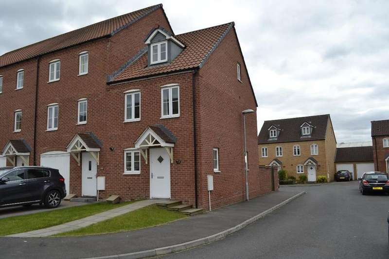 3 Bedrooms Terraced House for sale in Blaen Bran Close, Pontnewydd