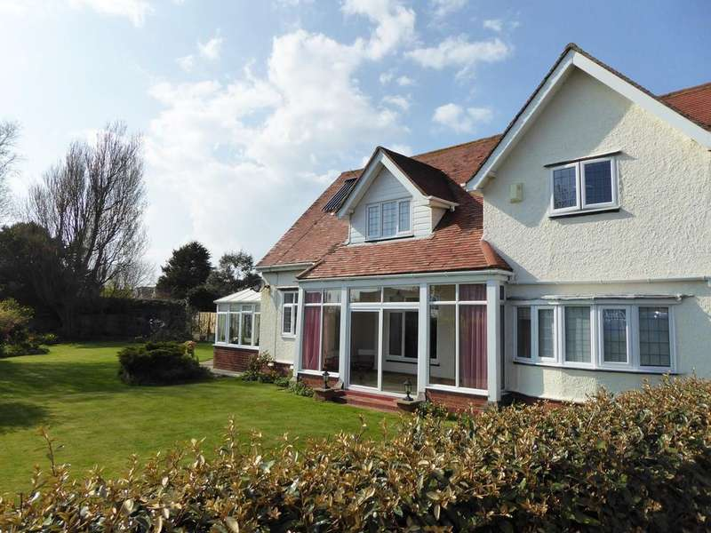 4 Bedrooms Detached House for sale in Brockley Road, Bexhill-on-Sea, TN39