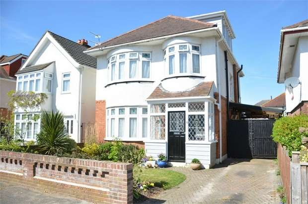 4 Bedrooms Detached House for sale in The Avenue, Moordown, Bournemouth