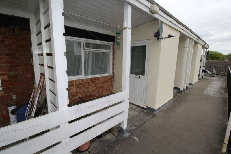 2 Bedrooms Flat for sale in William Street, Calne, SN11