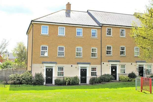 3 Bedrooms Detached House for sale in Little Canfield, Dunmow, Essex