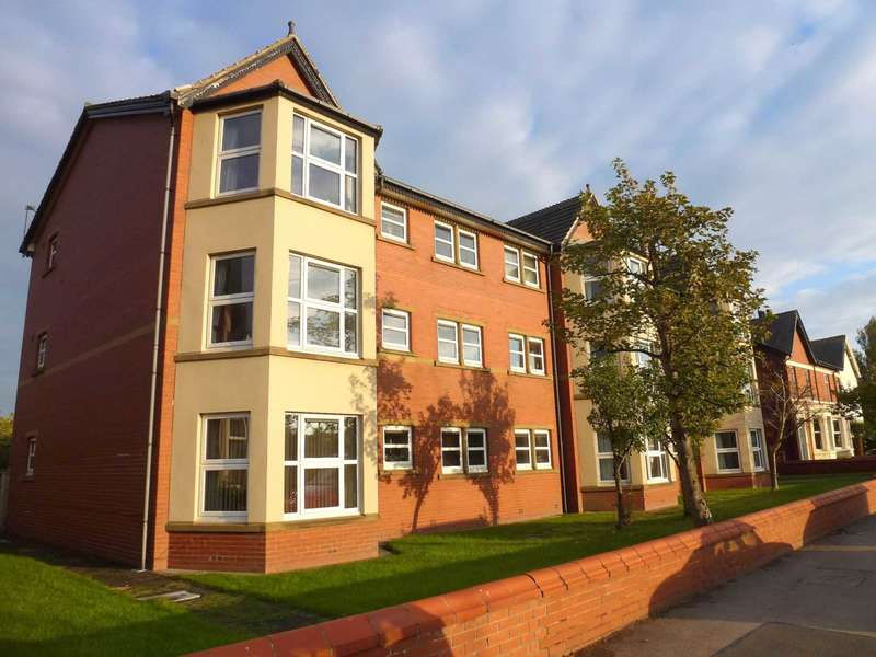 2 Bedrooms Flat for sale in Arcon House, 6 Park View Road, Lytham
