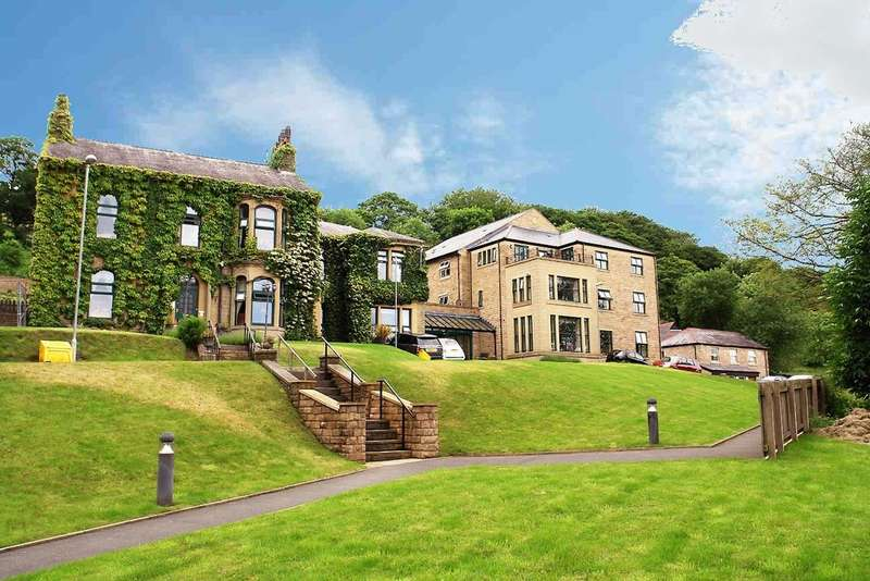 2 Bedrooms Flat for sale in Stoneswood Retirement Living, Delph, Saddleworth