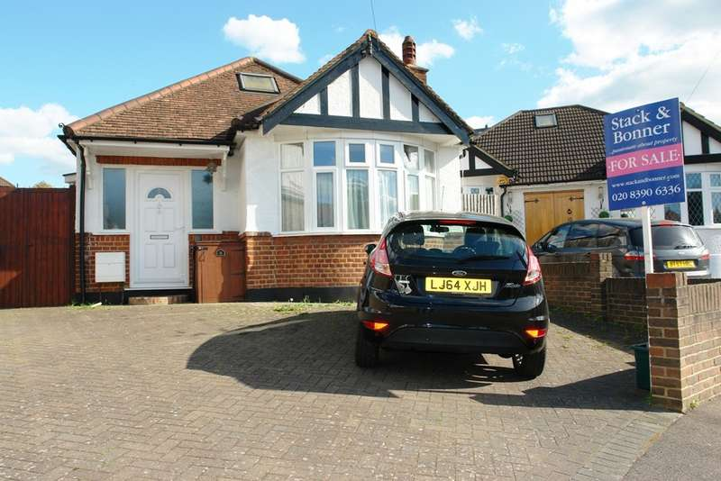 3 Bedrooms Detached Bungalow for sale in Woodside Close, Berrylands, Surbiton