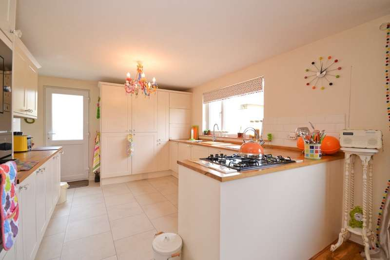 3 Bedrooms Detached House for sale in Arreton, Isle Of Wight
