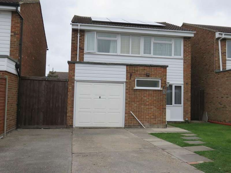 4 Bedrooms Detached House for sale in Eliot Road, Royston, SG8
