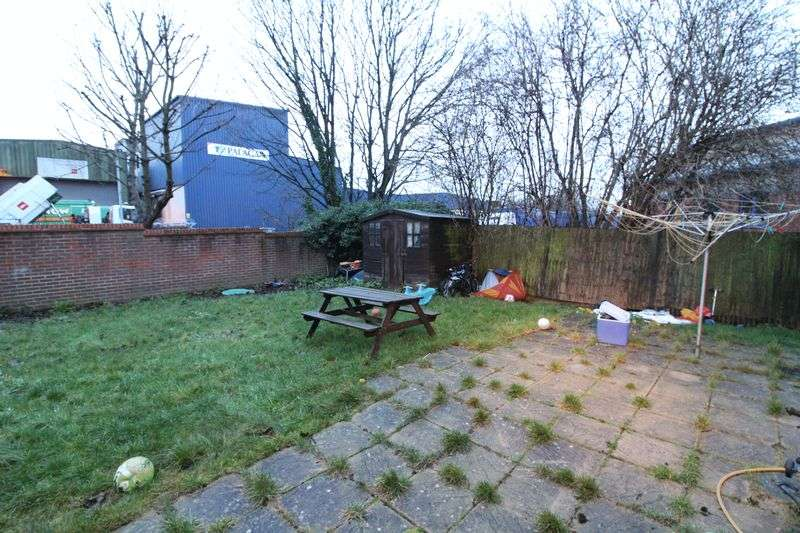 3 Bedrooms House for sale in Three bed with planning in Dunstable