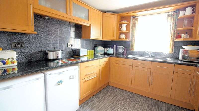 3 Bedrooms Flat for sale in New Road, Portsmouth
