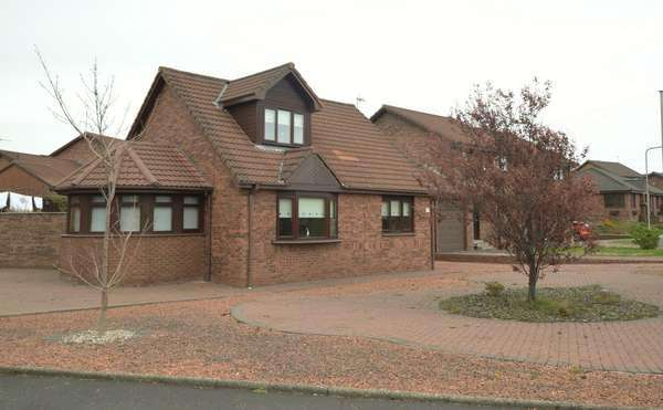 4 Bedrooms Detached House for sale in 59 Knockrivoch Place, Ardrossan, KA22 7PY