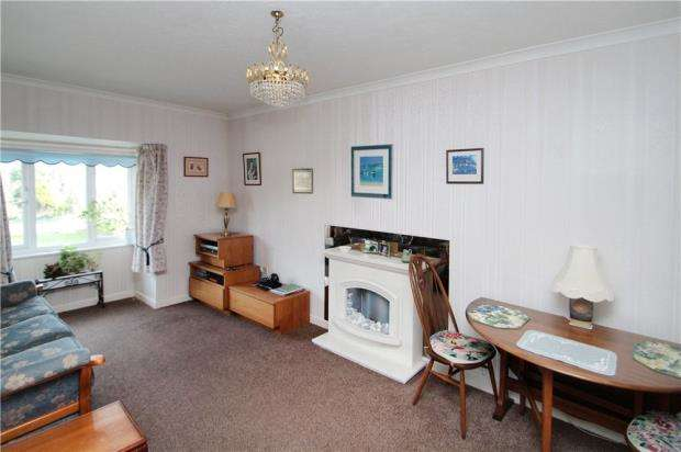 2 Bedrooms Retirement Property for sale in Oakland Court, Fitzalan Road, Littlehampton, West Sussex, BN17
