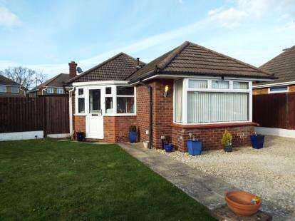 2 Bedrooms Bungalow for sale in Turkdean Road, Cheltenham, Gloucestershire, England