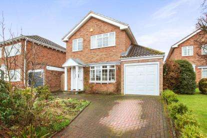 4 Bedrooms Detached House for sale in Broomfield, Chelmsford, Essex