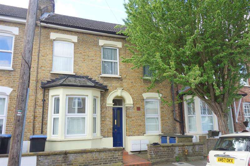1 Bedroom Flat for sale in Manor Road, Enfield