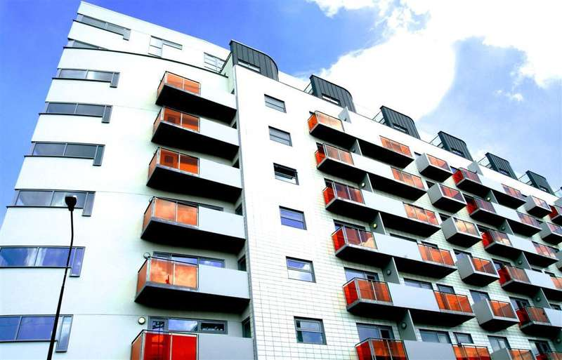 2 Bedrooms Apartment Flat for sale in The Lock Building, 41 Whitworth Street, Manchester, M1 5BE