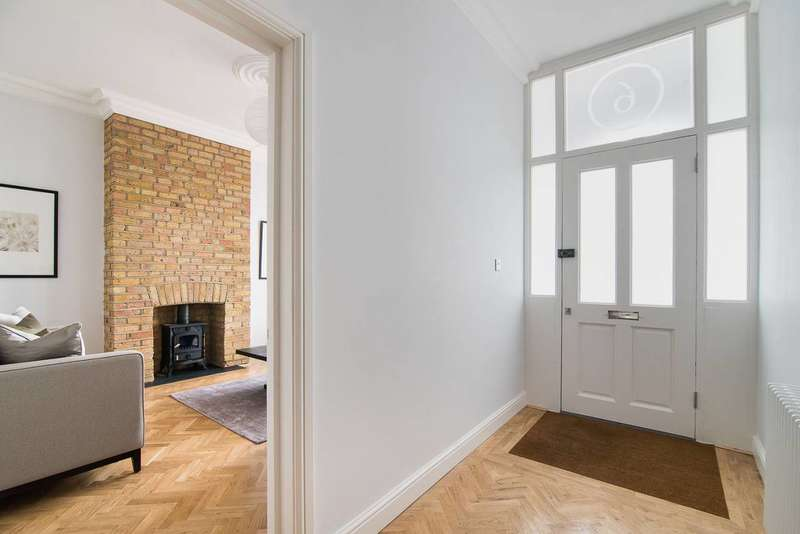5 Bedrooms House for sale in Brewster Road, Leyton, E10