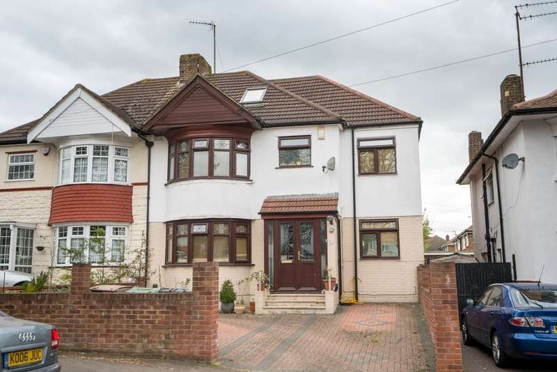 5 Bedrooms Semi Detached House for sale in HALFWAY AVENUE, LUTON, Bedfordshire, LU4