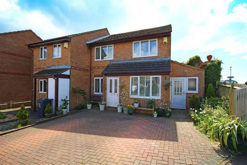 3 Bedrooms Semi Detached House for sale in Crest Way, Portslade, Brighton