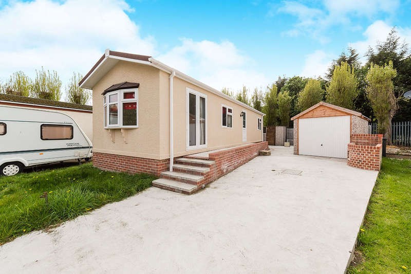 2 Bedrooms Detached Bungalow for sale in Lambeth Road, Balby, Doncaster, DN4