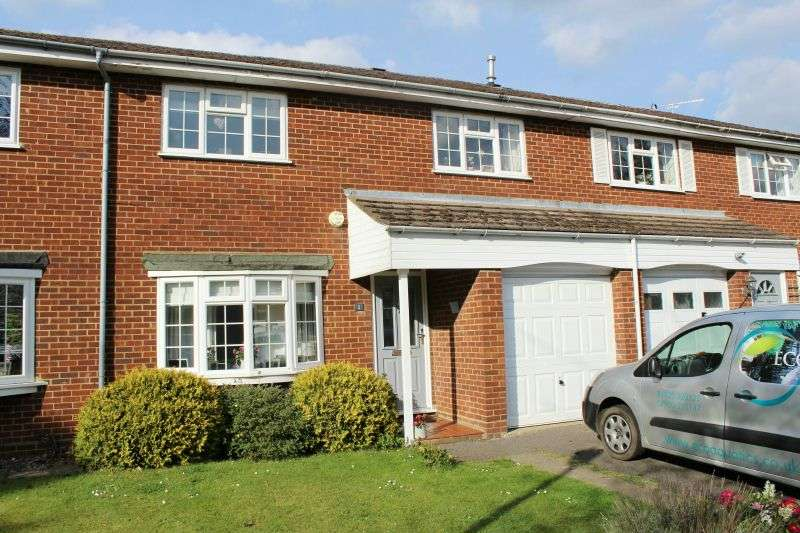 3 Bedrooms Terraced House for sale in Whitegates Close, Croxley Green, Hertfordshire, WD3