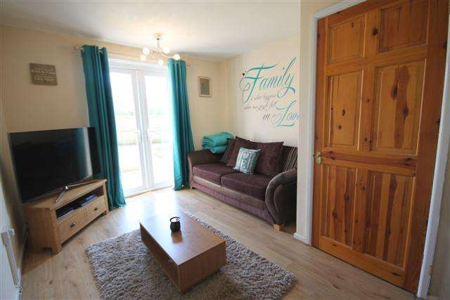 2 Bedrooms Ground Flat for sale in Cullompton EX15