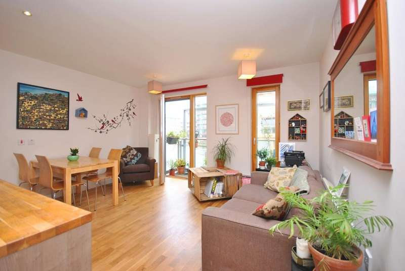 2 Bedrooms Flat for sale in Oyster Court, SE17
