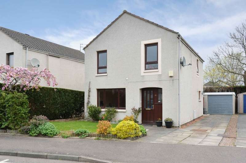 3 Bedrooms Detached Villa House for sale in Acredales, Haddington, East Lothian, EH41 4NT