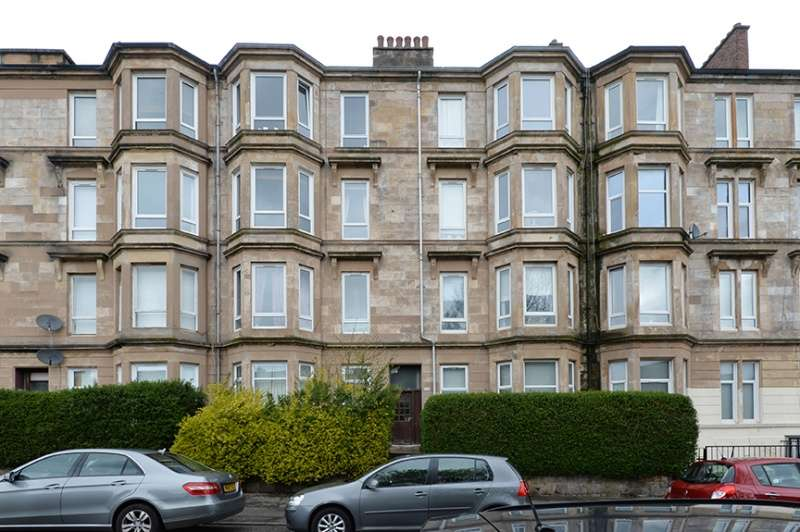 2 Bedrooms Flat for sale in 235 Onslow Drive, Dennistoun, Glasgow, G31 2QE