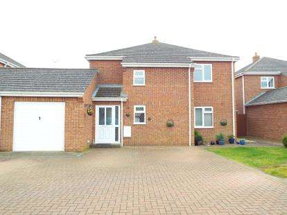 4 Bedrooms Link Detached House for sale in Snettisham, King's Lynn, Norfolk