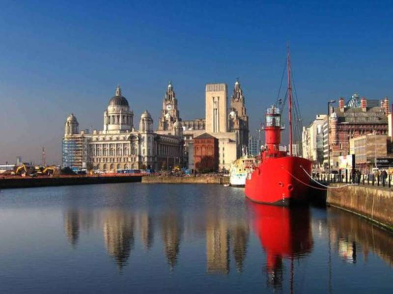 2 Bedrooms Apartment Flat for sale in The Strand, Liverpool, L2