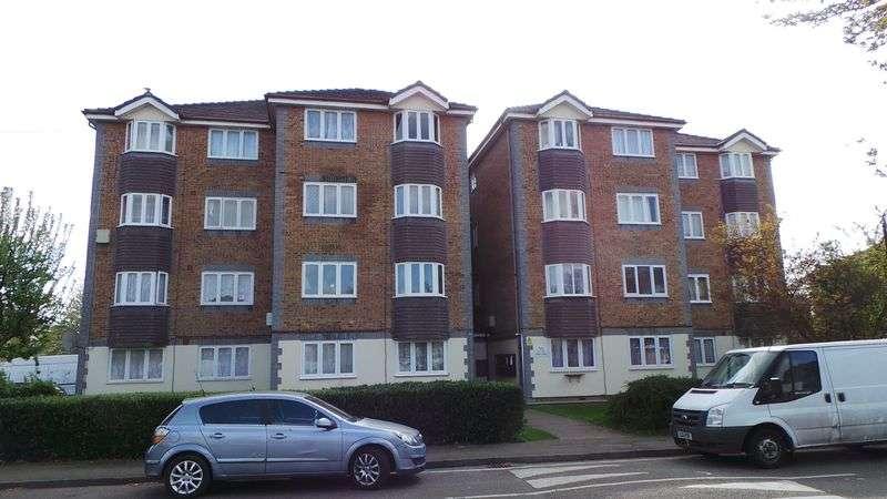 1 Bedroom Flat for sale in Keats Close, Enfield, EN3