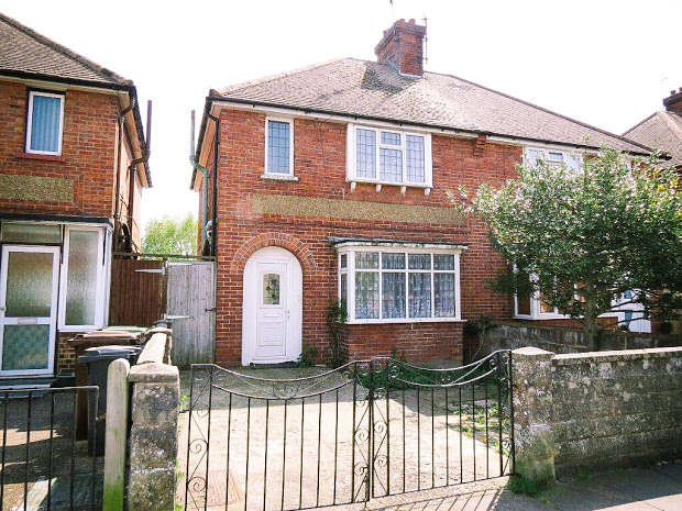 3 Bedrooms Semi Detached House for sale in EASTBOURNE, Eastbourne, East Sussex, BN22