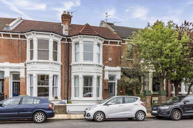 4 Bedrooms Terraced House for sale in Welch Road, Southsea