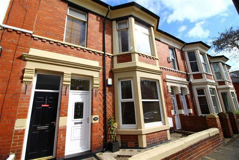 2 Bedrooms Flat for sale in Queen Alexandra Road, North Shields